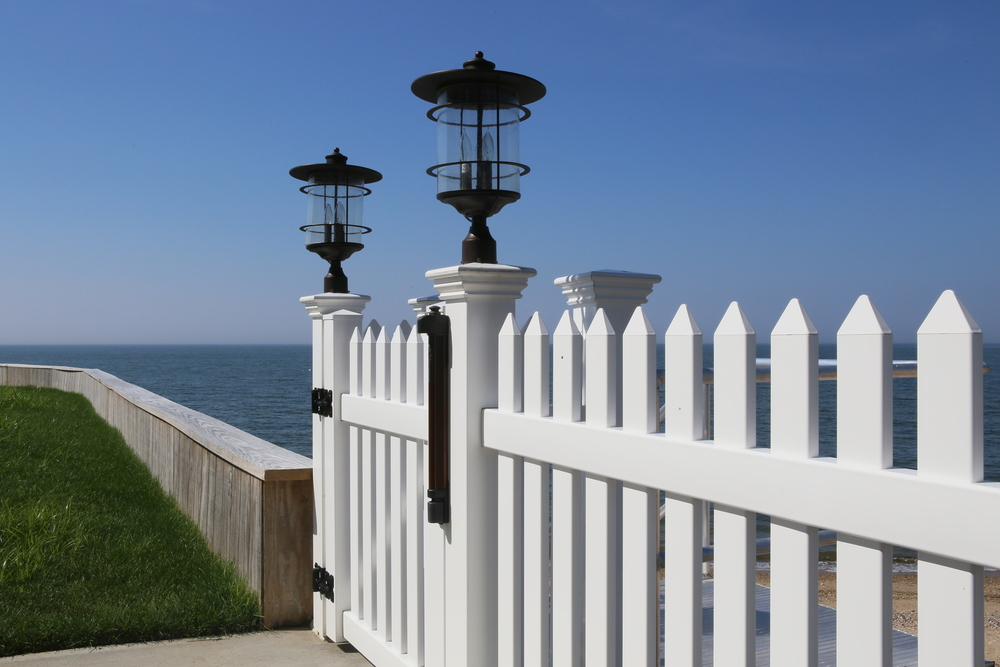 Cape Cod Spaced Picket with Gate