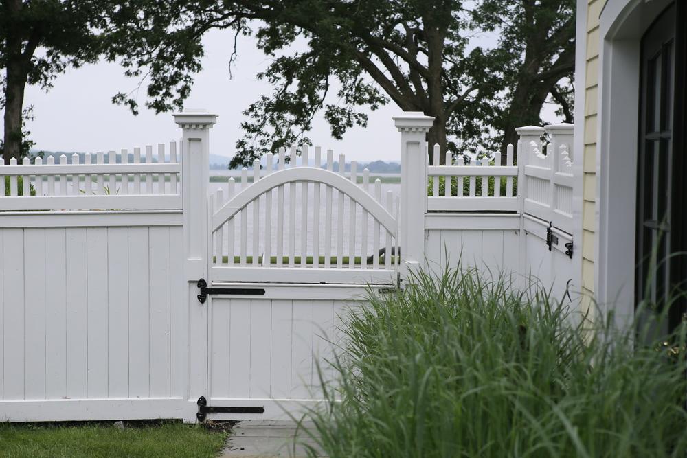 wood-fence-gate-atlas-fence-company-ct.jpg
