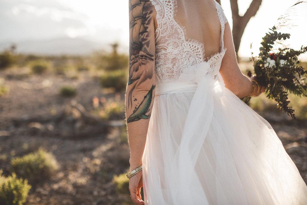 meike-and-rene-las-vegas-desert-elopement24.jpg