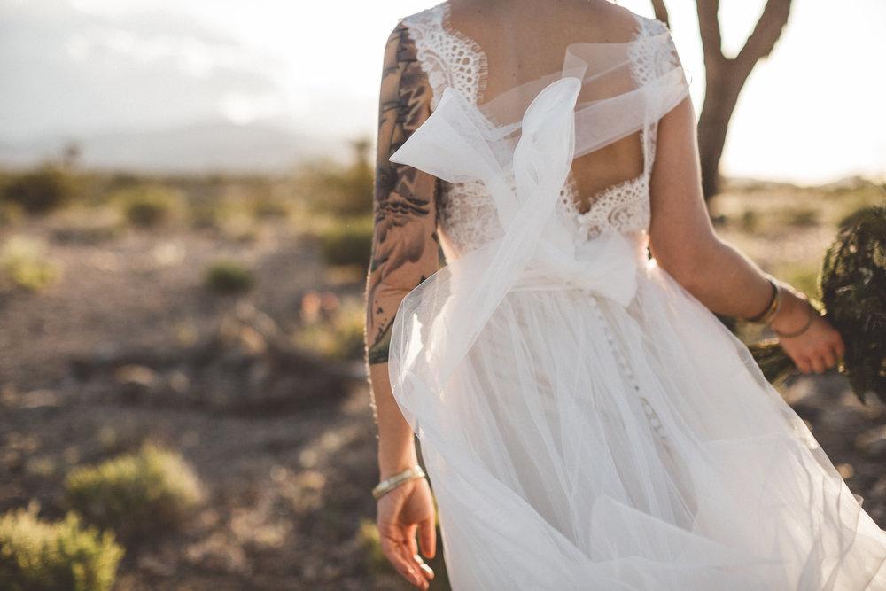 meike-and-rene-las-vegas-desert-elopement25.jpg