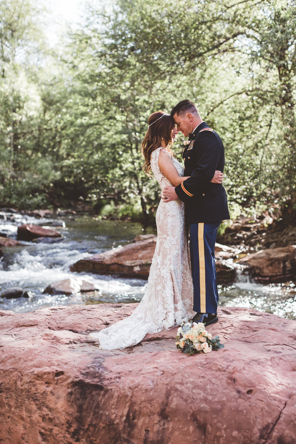 jenna-and-erics-romantic-sedona-wedding29.jpg