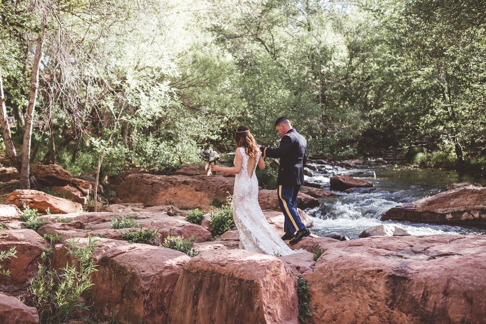 jenna-and-erics-romantic-sedona-wedding32.jpg