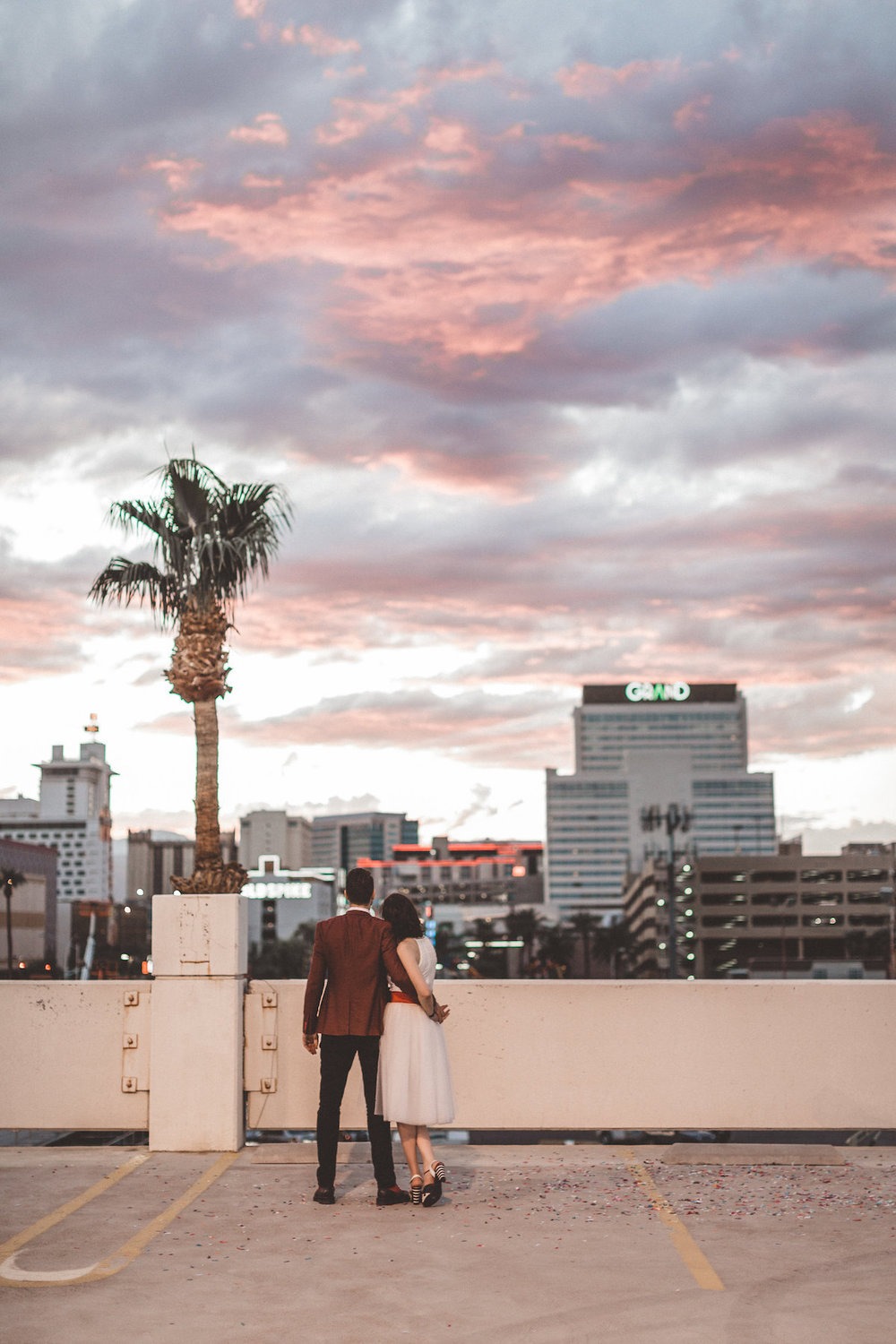 004A6446-downtown-las-vegas-rooftop-elopement.jpg