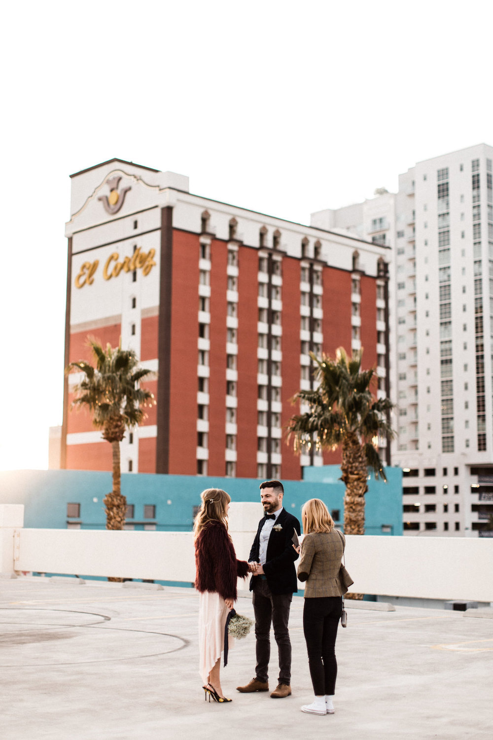 004A6396sophisticated-rooftop-las-vegas-elopement.jpg