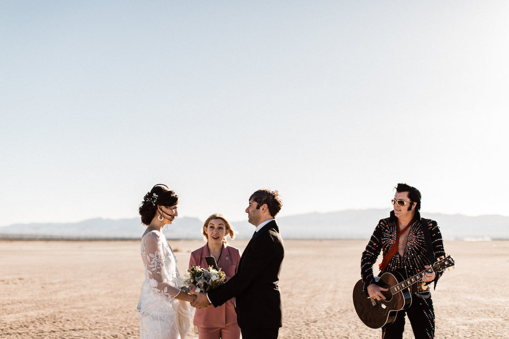 the desert elvis elopement14.jpg