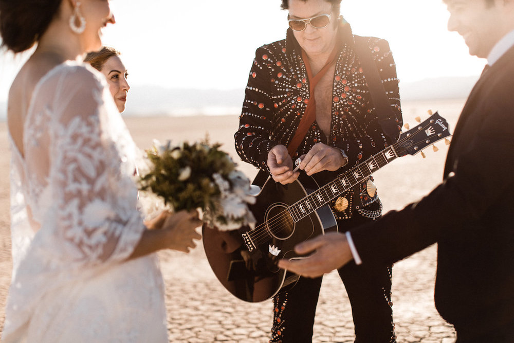 the desert elvis elopement24.jpg