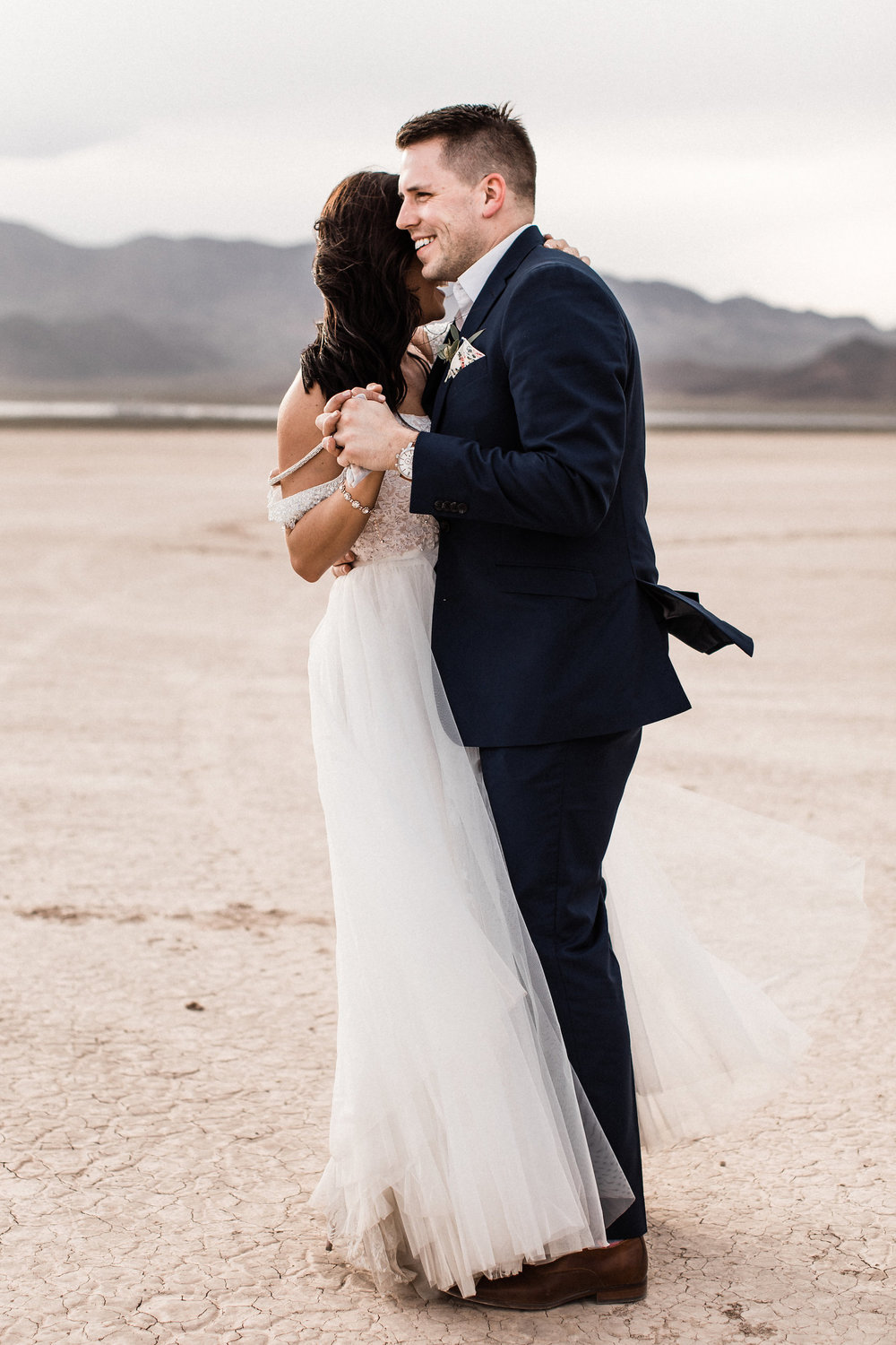 las vegas dry lake bed florapop wedding00022.jpg