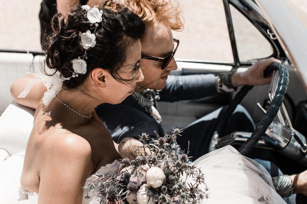vintage-vegas-elopement-8J0A9498.jpg