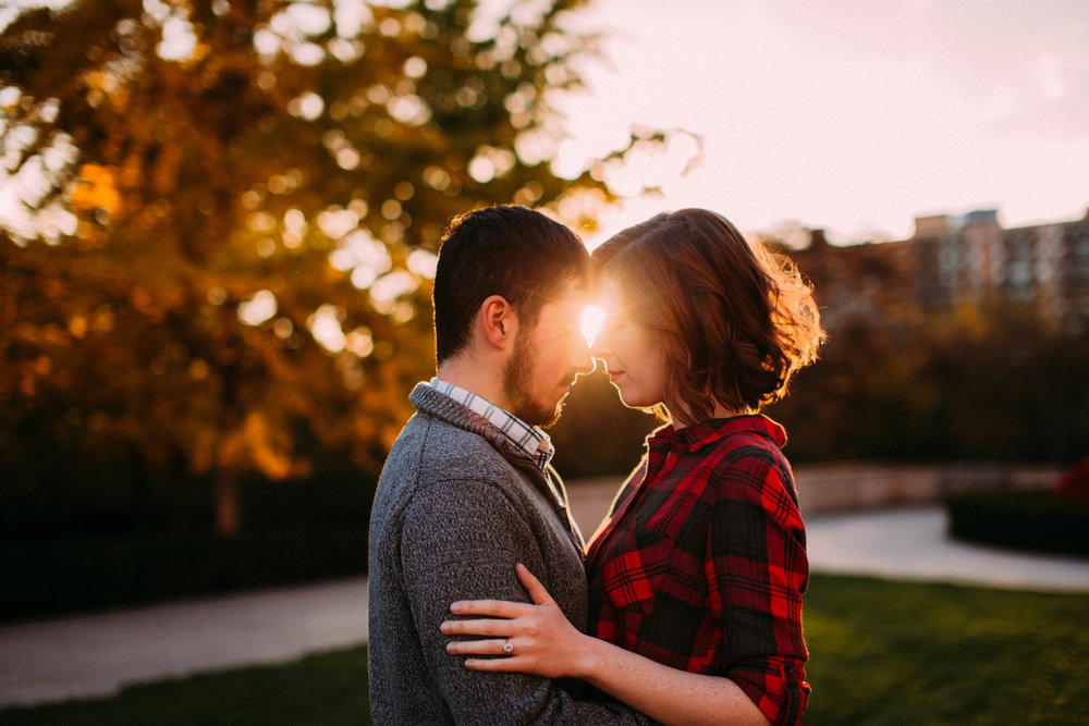 Shelbie & Joseph | Kansas City. MO Engagement | Sunset at Nelson Atkins Museum