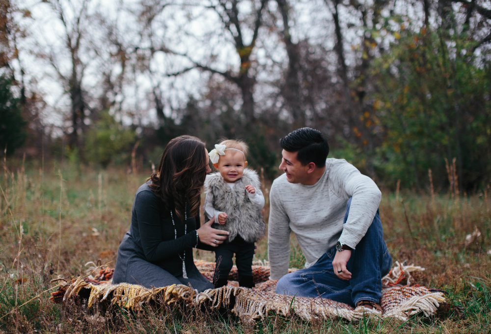 The Reber Family | Kansas City, MO | Hannahill Photography | Fall Family session at Ironwoods