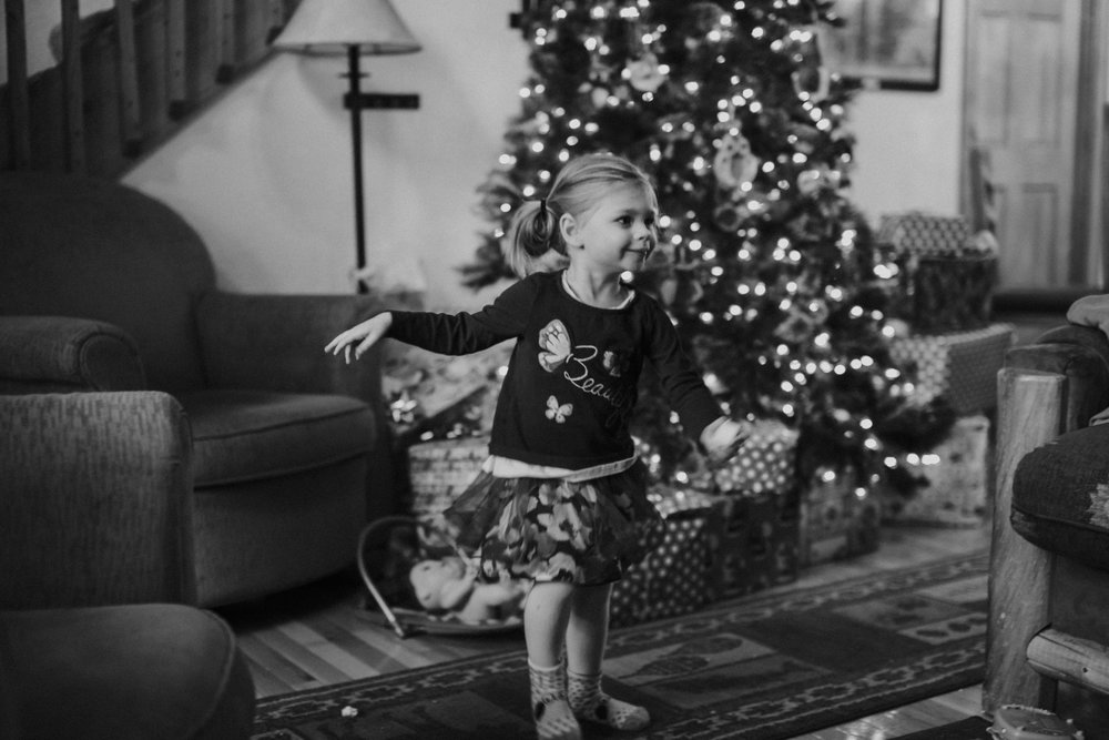 Christmas 2016 | Hannahill Photography | Branson, MO | Documentary Family Photography | a portrait of my niece excited for Christmas