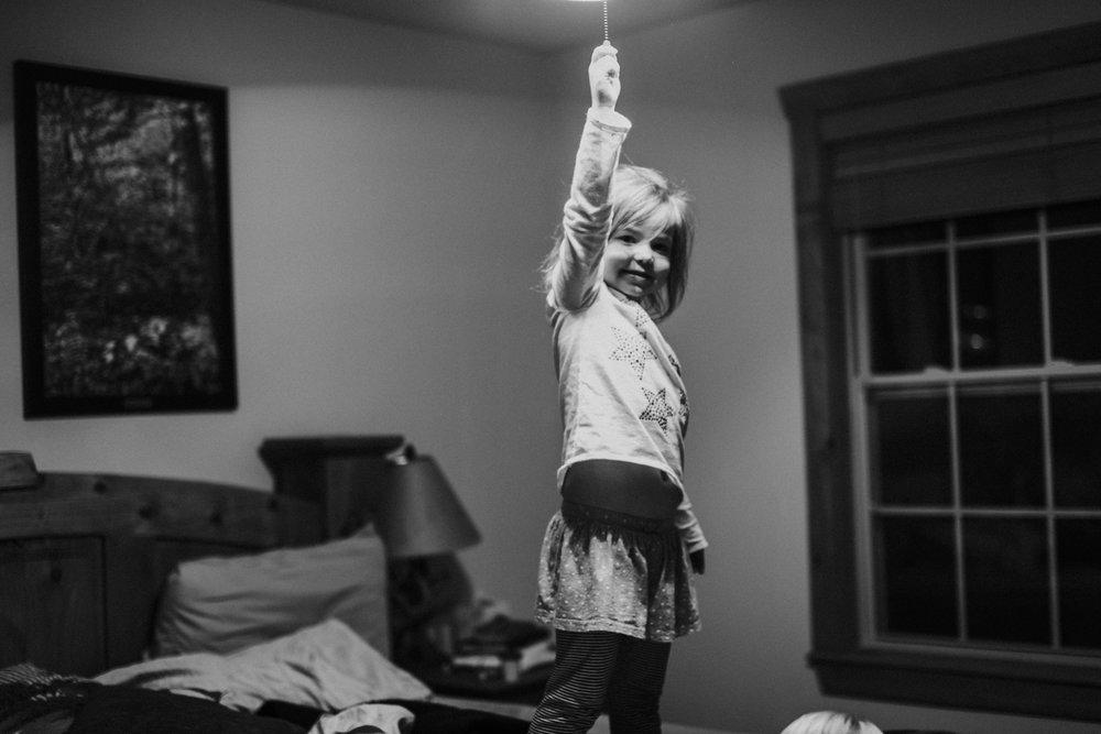 Christmas 2016 | Hannahill Photography | Branson, MO | Documentary Family Photography | a portrait of my niece with an idea