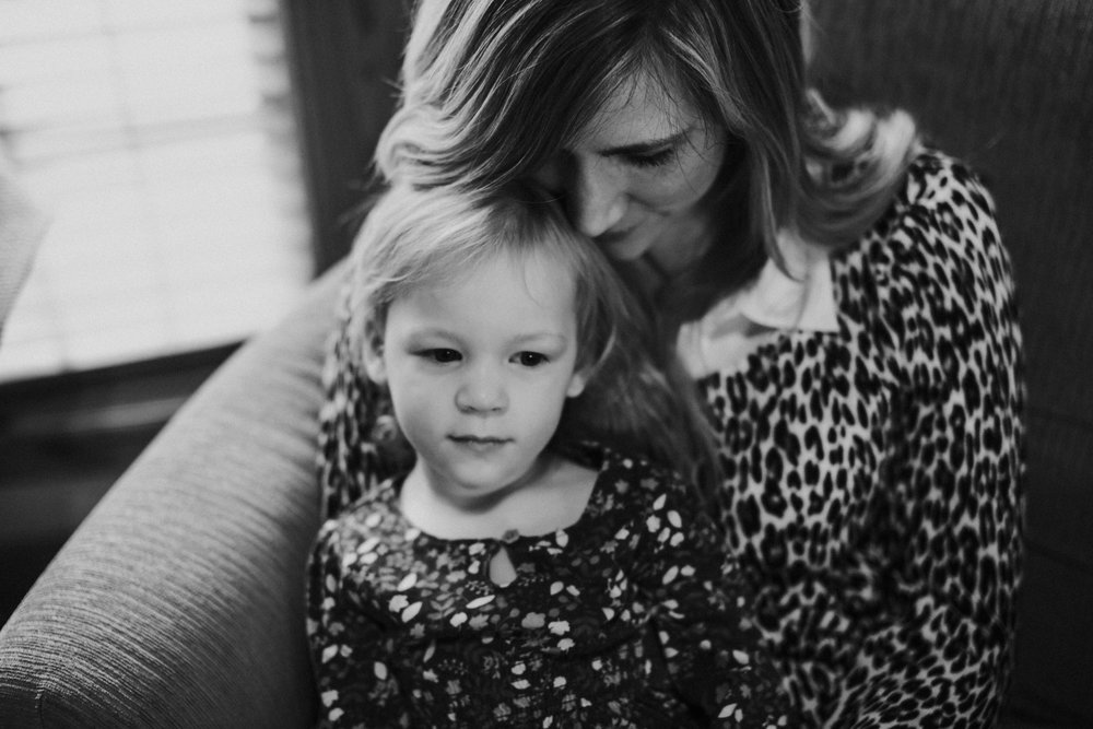 Christmas 2016 | Hannahill Photography | Branson, MO | Documentary Family Photography | a portrait of my niece with her mother