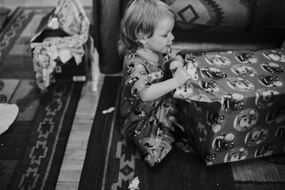 Christmas 2016 | Hannahill Photography | Branson, MO | Documentary Family Photography | a black and white portrait of my niece on Christmas morning