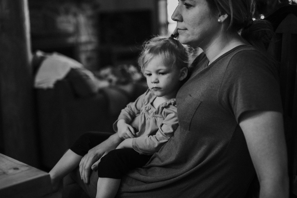 Christmas 2016 | Hannahill Photography | Branson, MO | Documentary Family Photography | a black and white portrait of my niece with her mother
