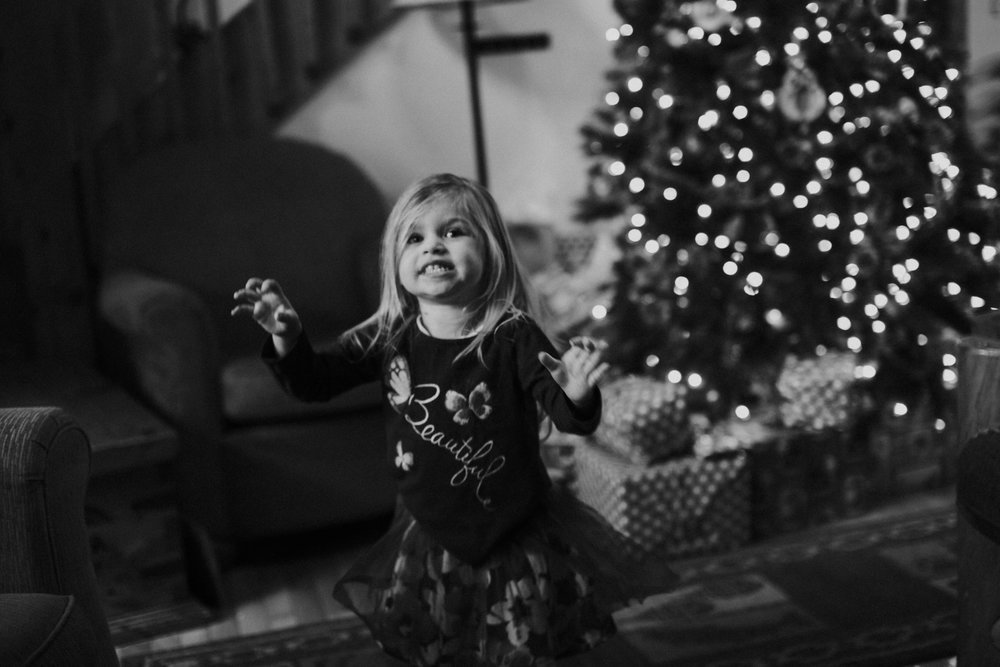Christmas 2016 | Hannahill Photography | Branson, MO | Documentary Family Photography | a black and white portrait of my niece