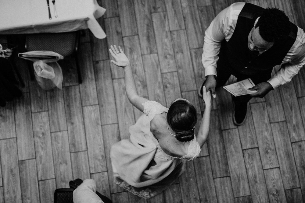 Bert & Lauren's North Kansas City Spring Wedding | Hannahill Photography | Raleigh Durham Photographer | North Carolina Wedding Photography | Family Photographer | Wedding photographer | the bride greets guests at the reception