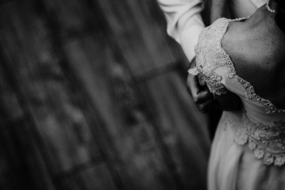 Bert & Lauren's North Kansas City Spring Wedding | Hannahill Photography | Raleigh Durham Photographer | North Carolina Wedding Photography | Family Photographer | Wedding photographer | black and white detail during the first dance