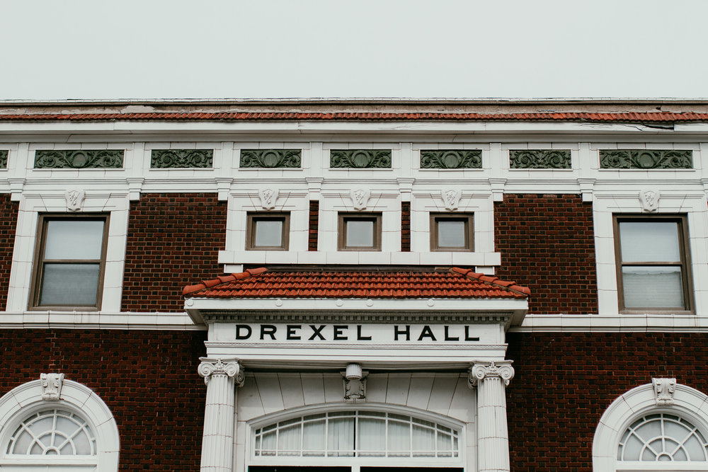 Drexel hall venue | Shelbie & Jospeh's Summer Love Story : Kansas City Wedding | Hanna Hill Photography