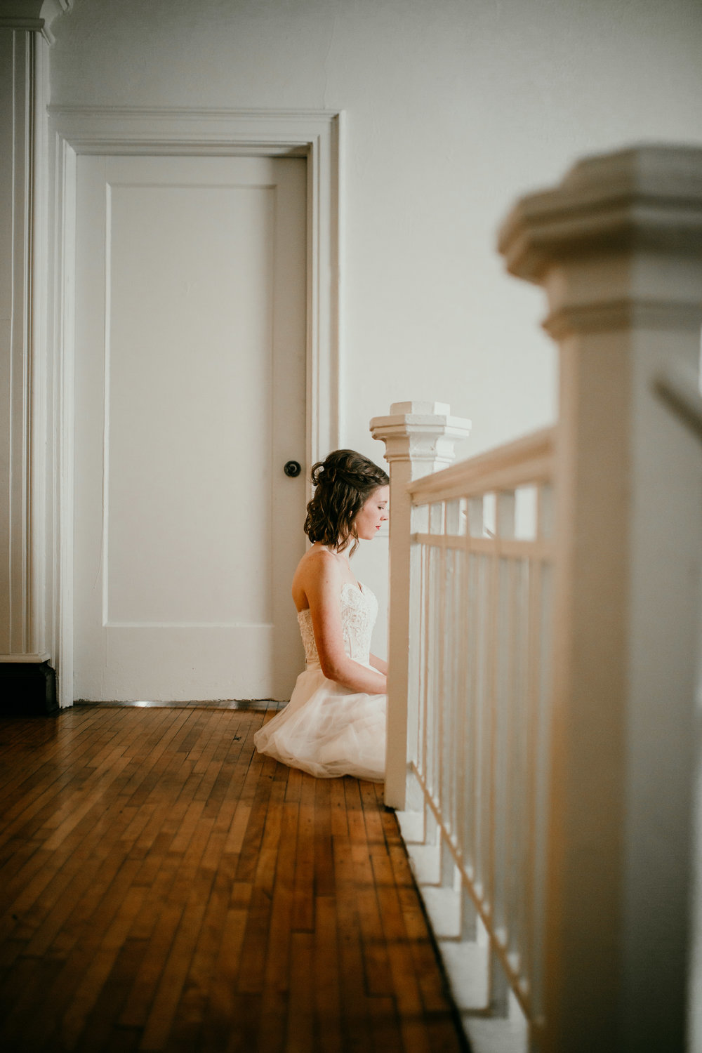 Bridal portrait in the Stairwell | Shelbie & Jospeh's Summer Love Story : Kansas City Wedding | Hanna Hill Photography