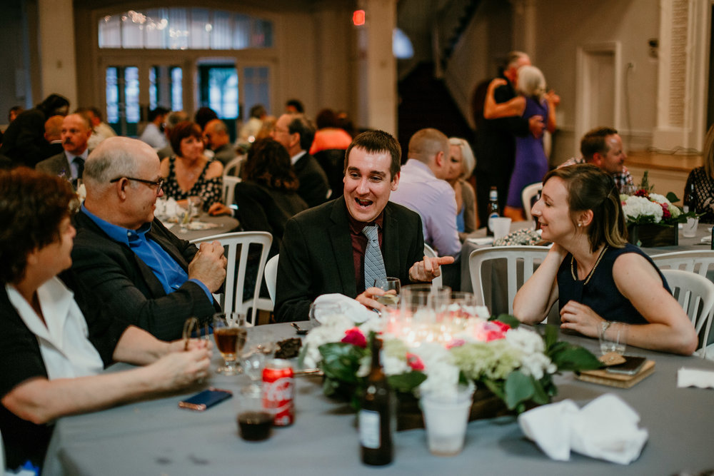 guests at the reception of Shelbie & Jospeh's Summer Love Story : Kansas City Wedding | Hanna Hill Photography