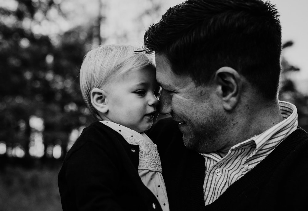 dad and his little girl have a cuddly moment touching noses | Durham, NC Family Photography | Hannahill photography | Brumley nature Preserve