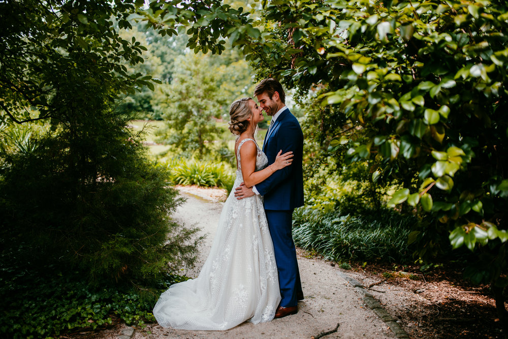 Bride and Groom Portraits | Hanna Hill Photography | Raleigh Durham Wedding Photographer
