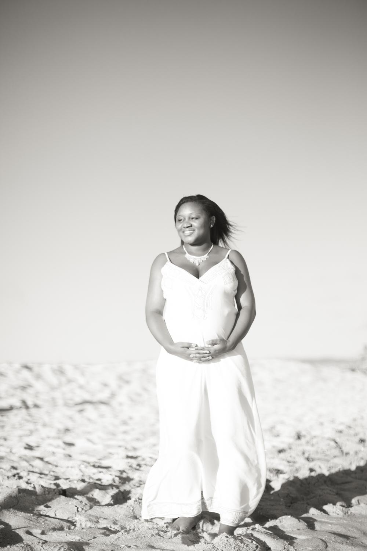 Adriana_Maternity_Balboa Pier_NewportBeach-34.jpg