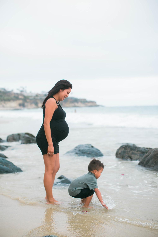 Joy_Maternity_LagunaBeach_BrandonJFerlinPhotography-10.jpg