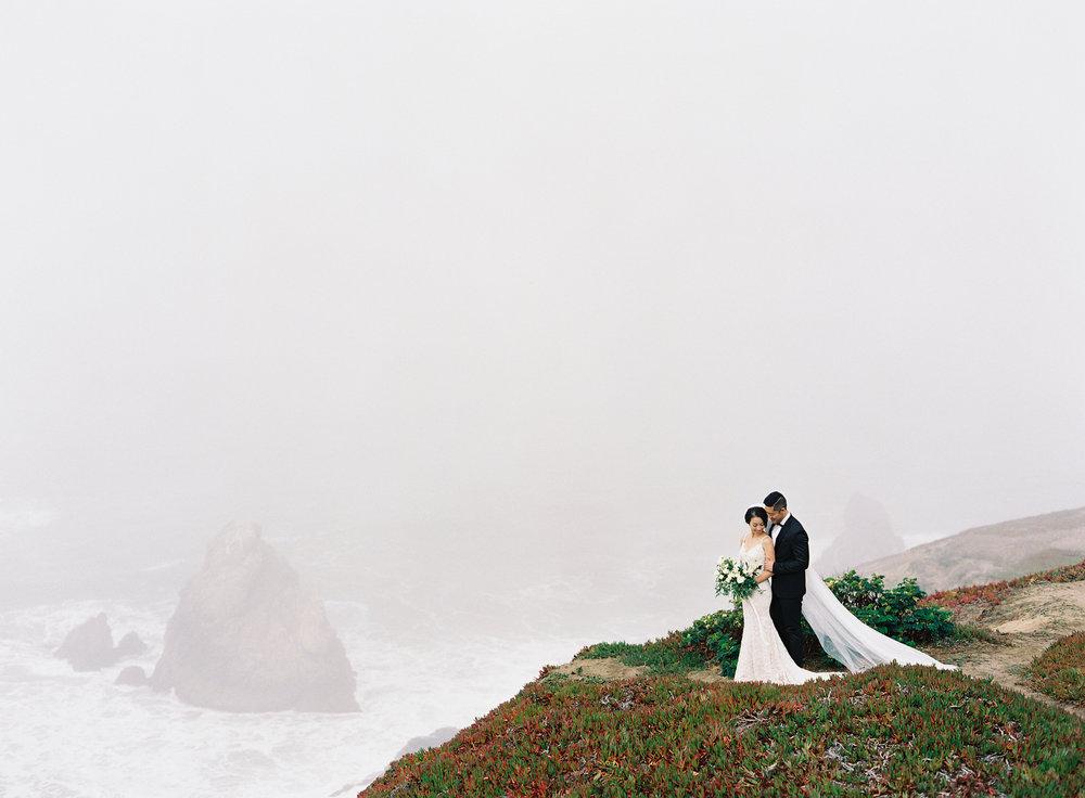 NathalieChengPhotography_ConnieRaymond_SFCityHall_Wedding_010.jpg