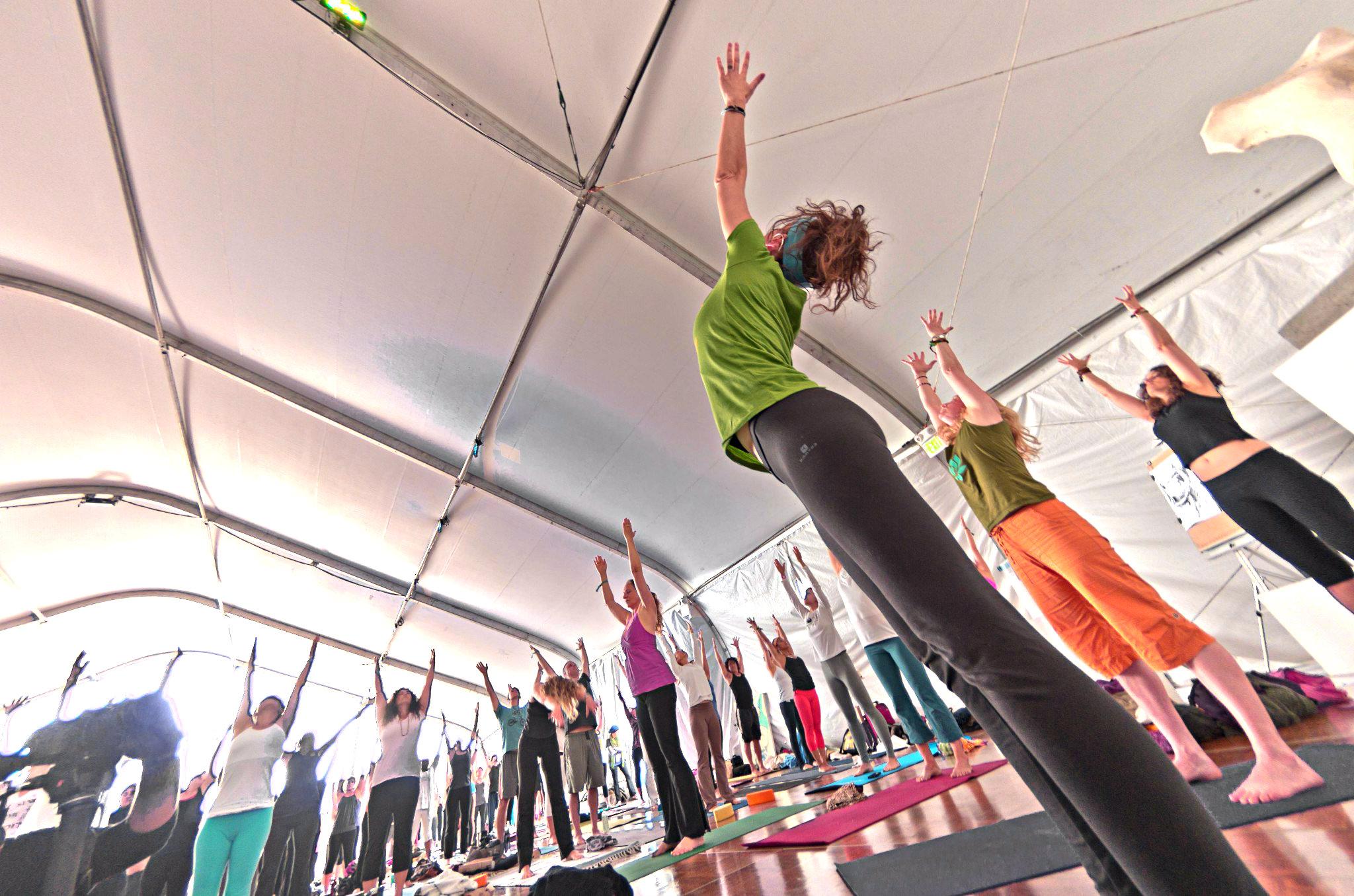 Quel Yoga est le mieux pour moi  Chaque style de yoga a ses bienfaits.  POWER YOGA YIN YOGA SIVANANDA ASHTANGA YOGA BIKRAM YOGA KUNDALINI YOGA  IYENGAR YOGA 6fa6d843d3a