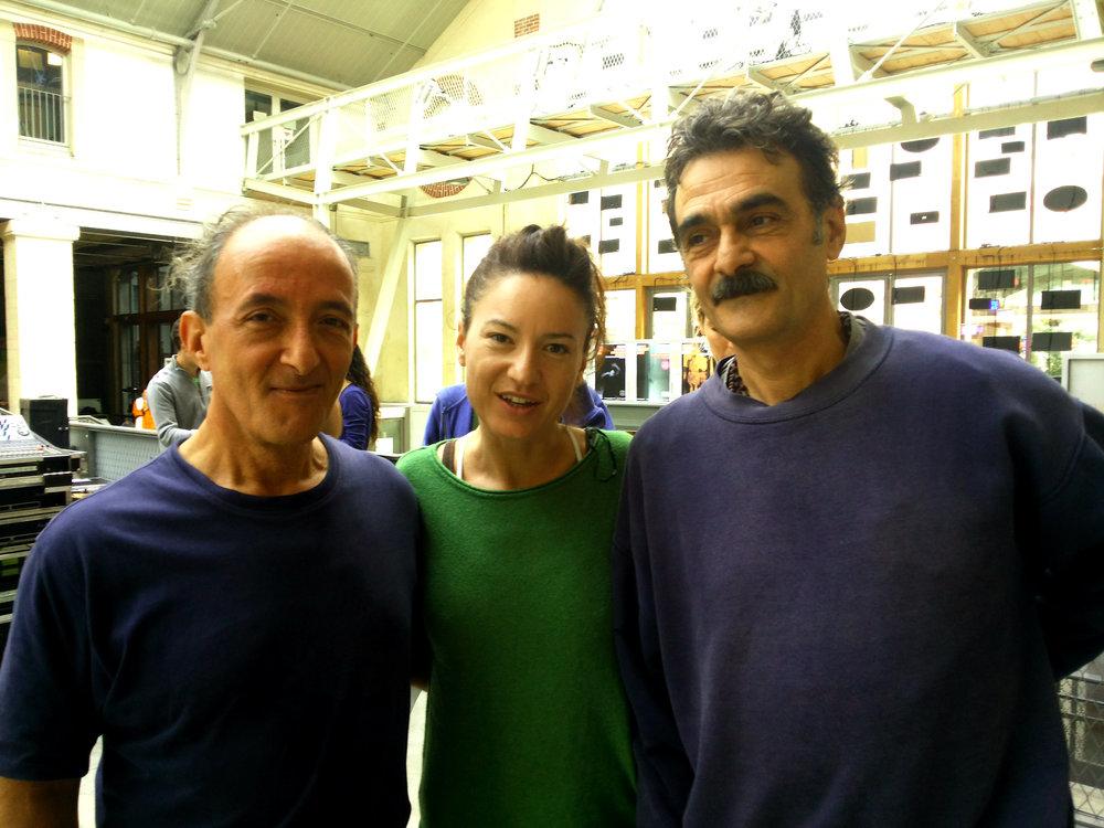 Avec Jean-Louis et Francis Gianfermi, les frères du yoga à Paris.