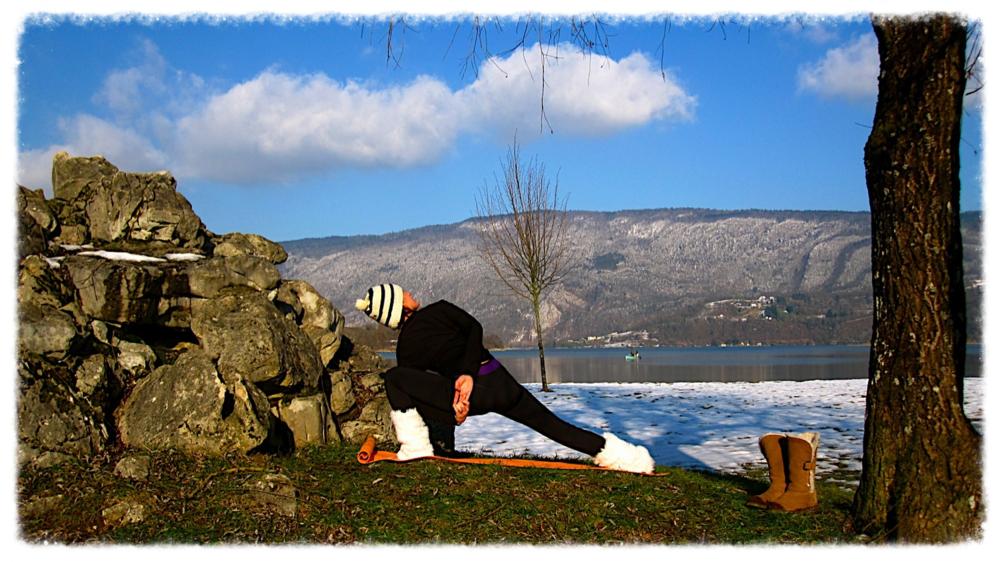 Les postures de yoga peuvent être pratiqué par tous les temps!