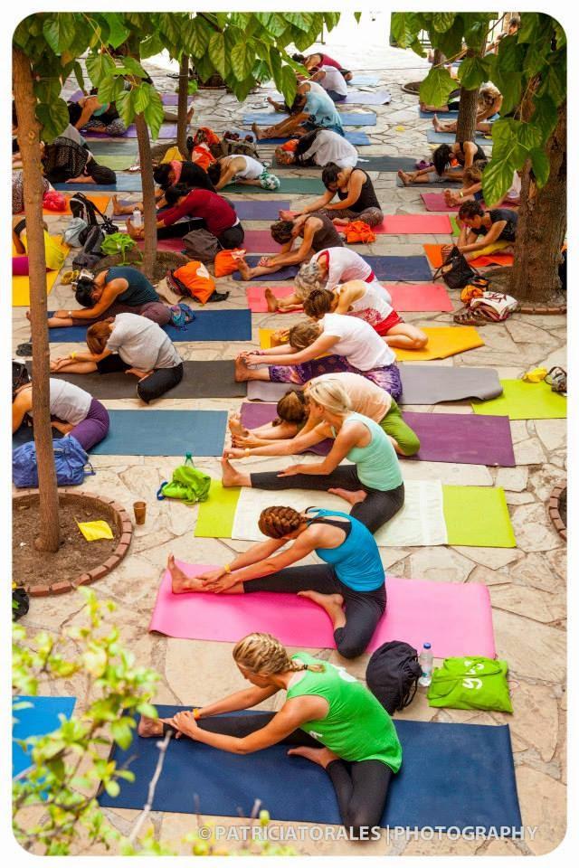 Cours de Yin Yoga à B.Y.C Barcelone guidée par Mirjam Wagner.