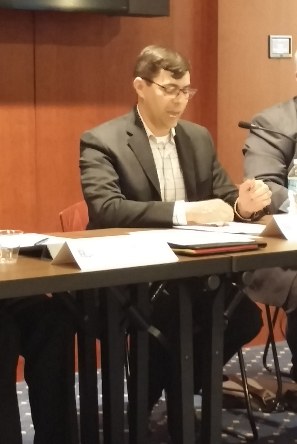 "David Bloom speaking at the ""Patent Reform Lunch on the Hill"" event in April 2015"
