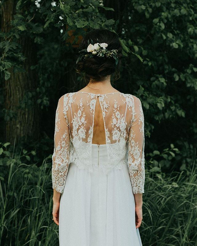 This bride wore her Momma's wedding dress. So sweet, so simple, so perfect.