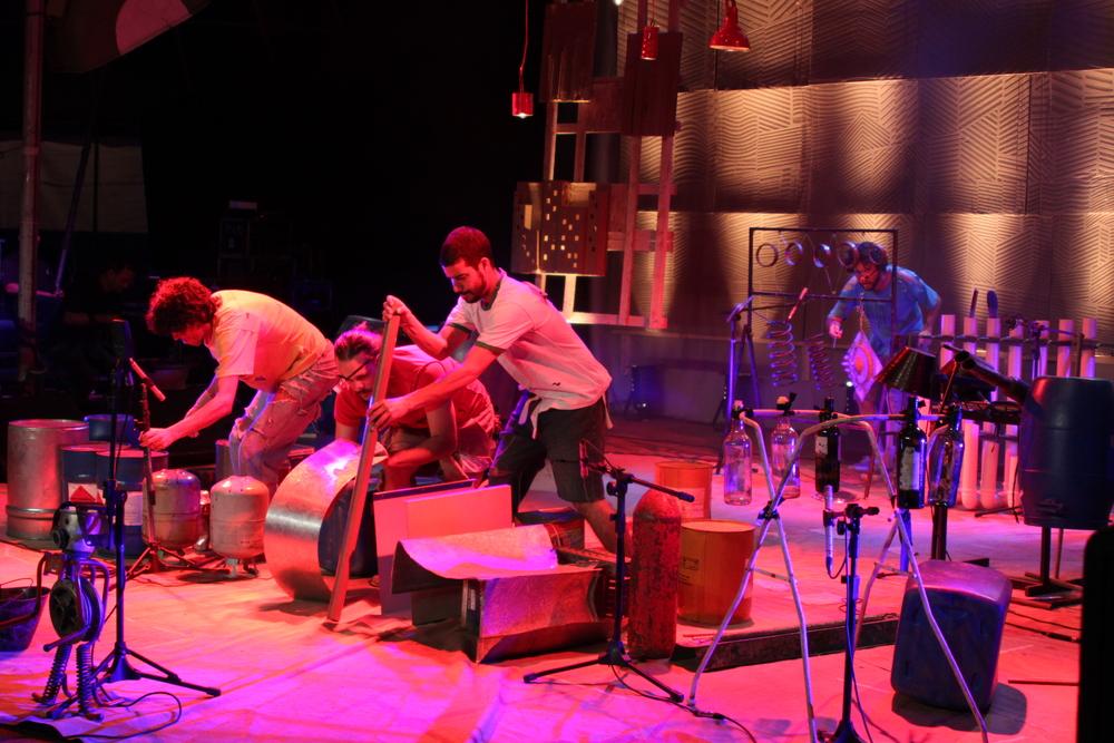 DVD Vida Seca - Show SOM DE SUCATA - 2010 (foto: Elisa Di Garcia)