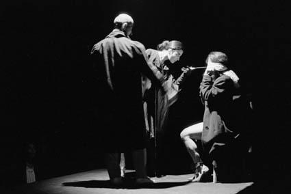 16 - b - Inicio de la tortura en el tercer cuadro LA CENA