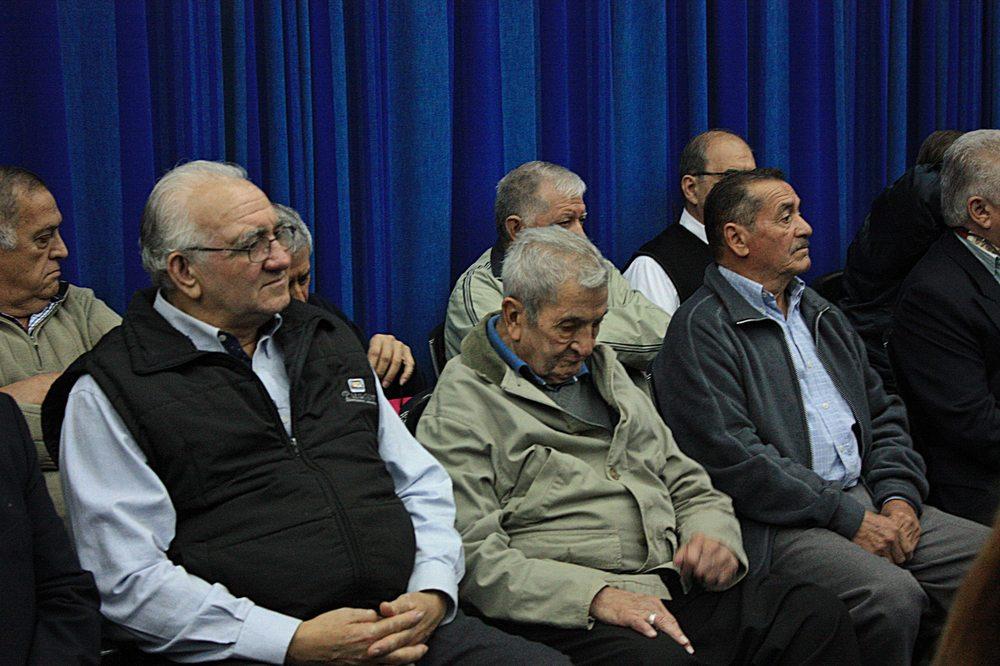 La mayoría de los imputados presencian cada jornada en la sala de audiencias.