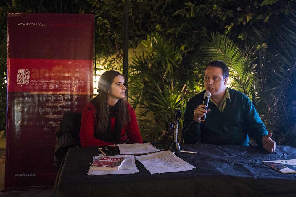Pablo Toranzo durante una muestra realizada en el Árbol de Galeano | Fotografía de Bruno Cerimele.