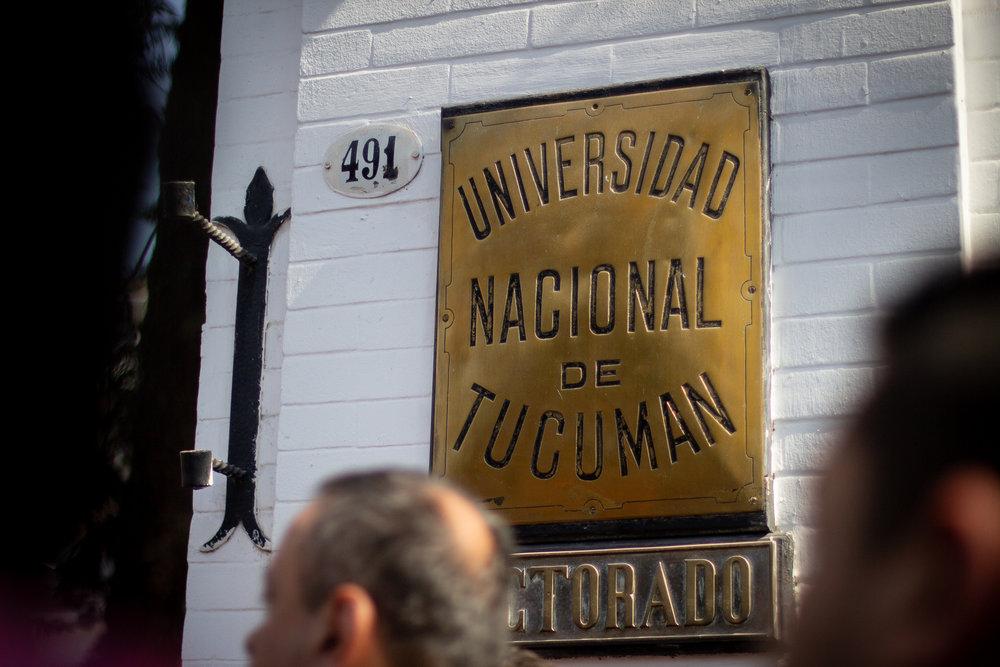 abrazo-rectorado-unt (8).jpg