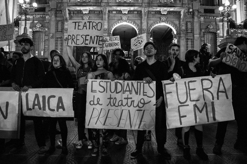 marcha-antorchas-docentes-universitarios-tucuman (14).jpg