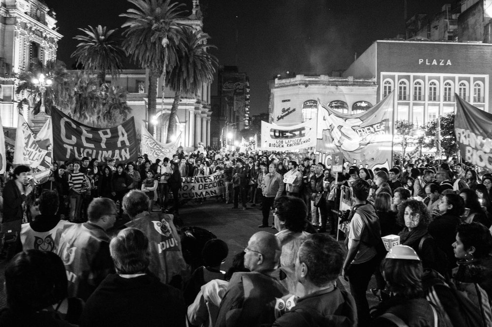 marcha-antorchas-docentes-universitarios-tucuman (16).jpg