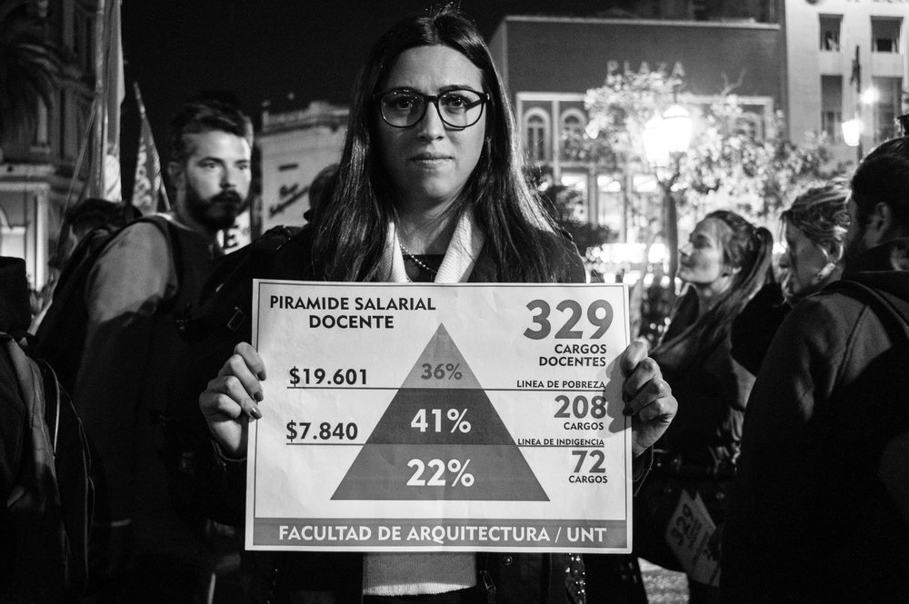 marcha-antorchas-docentes-universitarios-tucuman (18).jpg