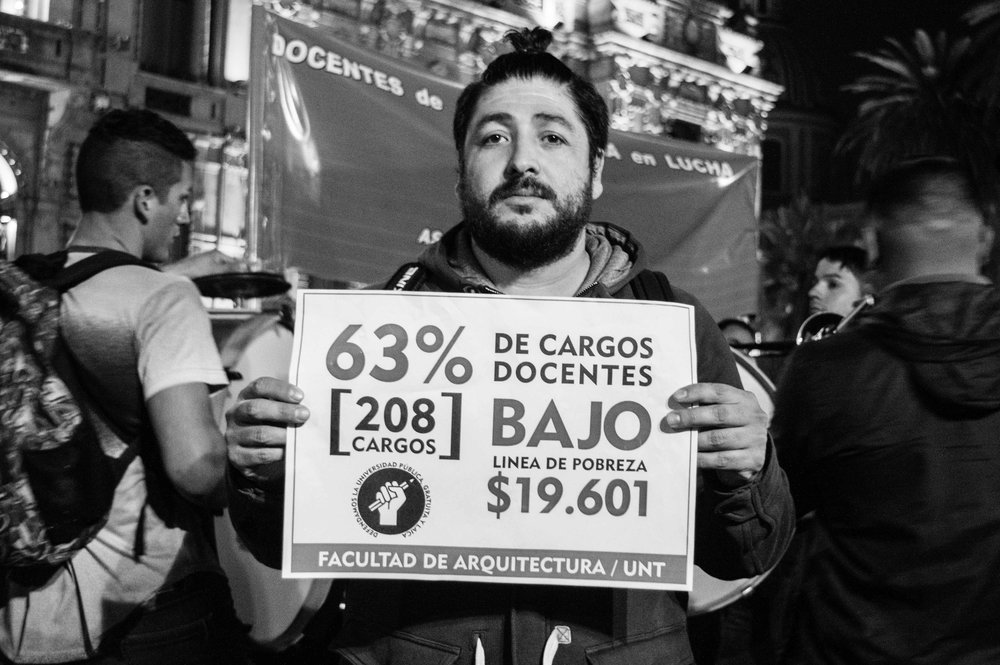 marcha-antorchas-docentes-universitarios-tucuman (19).jpg