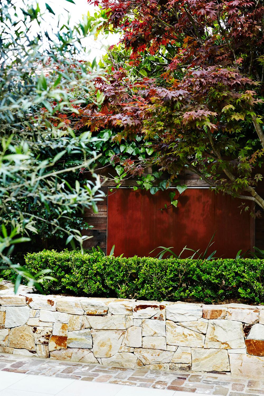 Contemporary Meets Traditional Garden Design: Outdoor Establishments