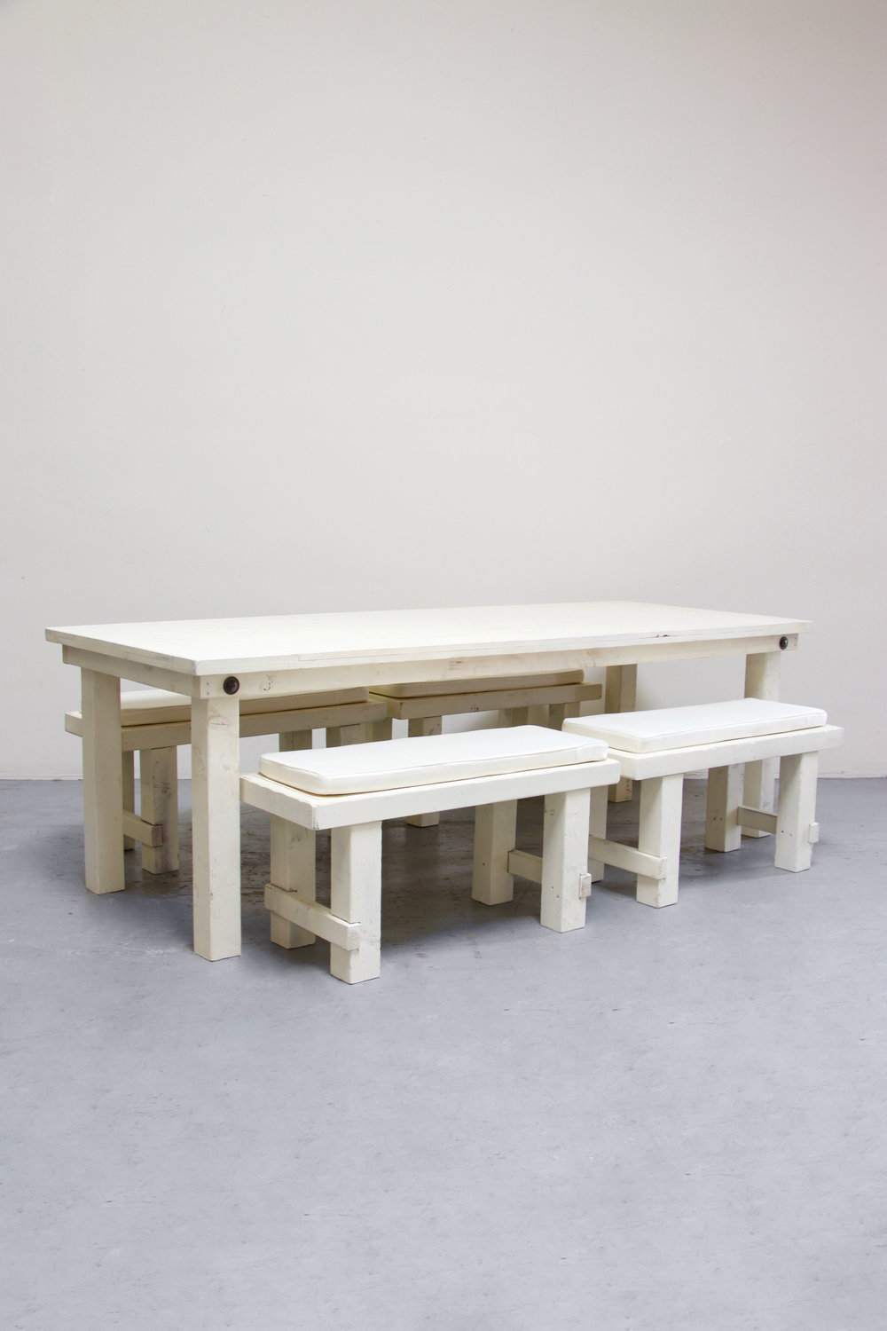 1 Vintage White Farm Table w/ 4 Short Benches $145
