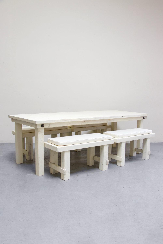 $145 1 Vintage White Farm Table w/ 4 Short Benches