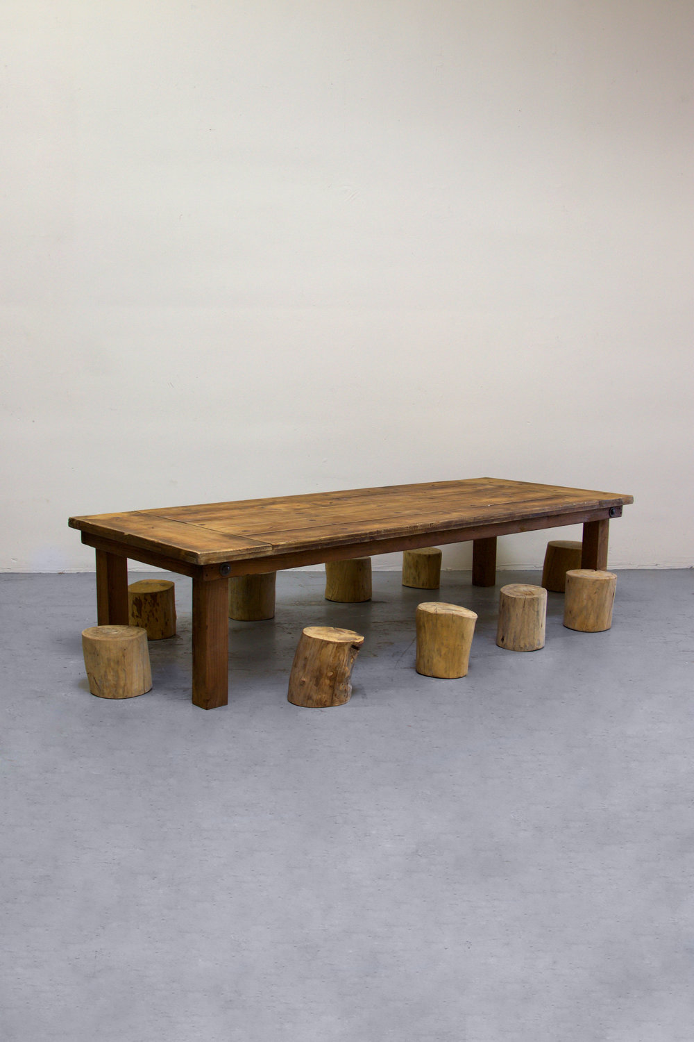 1 Kids Honey Brown Farm Table w/ 10 Tree Stumps
