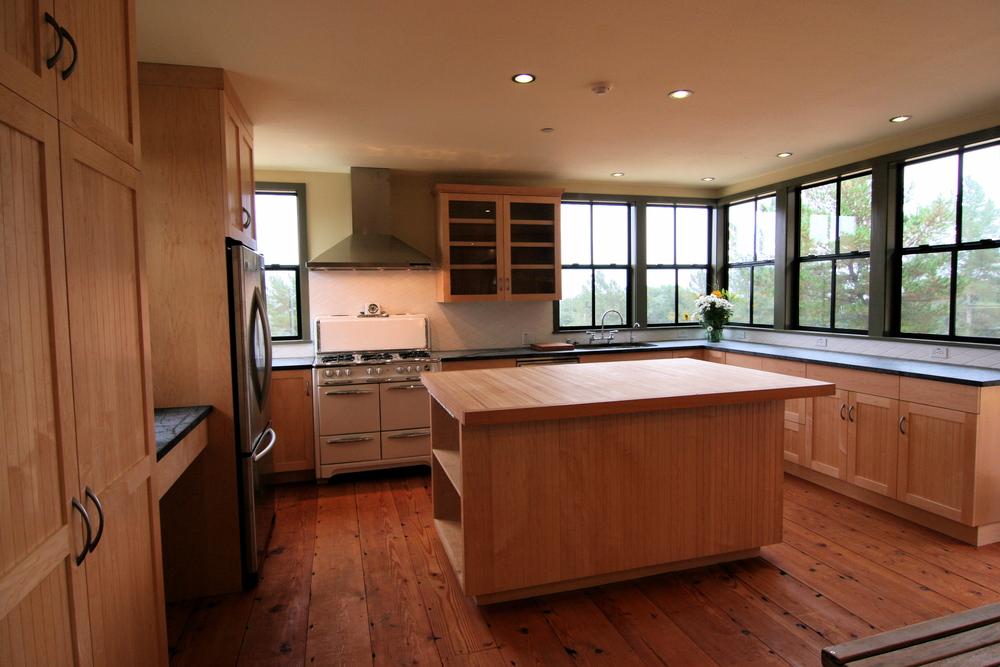 01_Kitchen1_Gaut.jpg